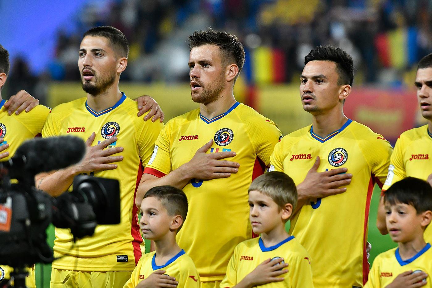Salariile fotbaliştilor români vor fi înjumătăţite din cauza pandemiei de COVID-19