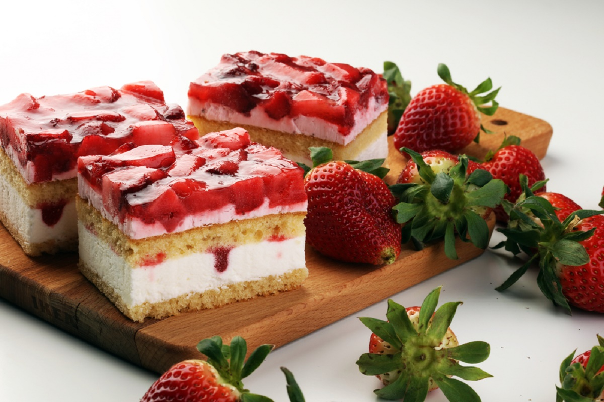 Reteta de Paste: Tort cu fructe