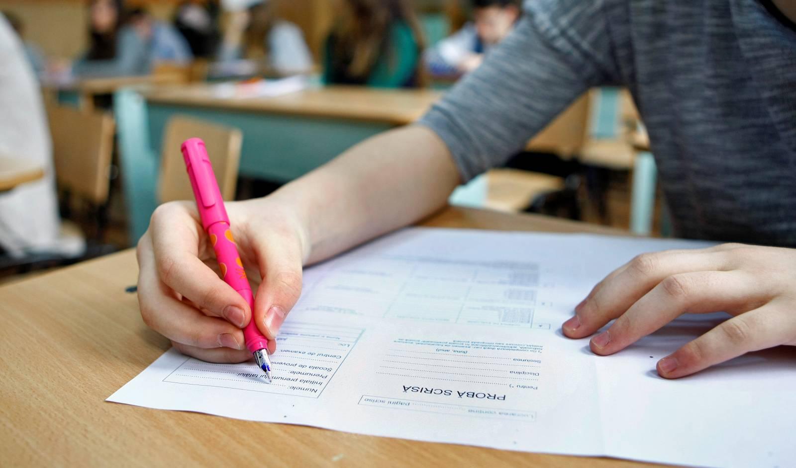 Elevii din clasa a 8-a și a 12-a vor face pregătire pentru examenul de Bac și Testele Naționale 2 săptămâni