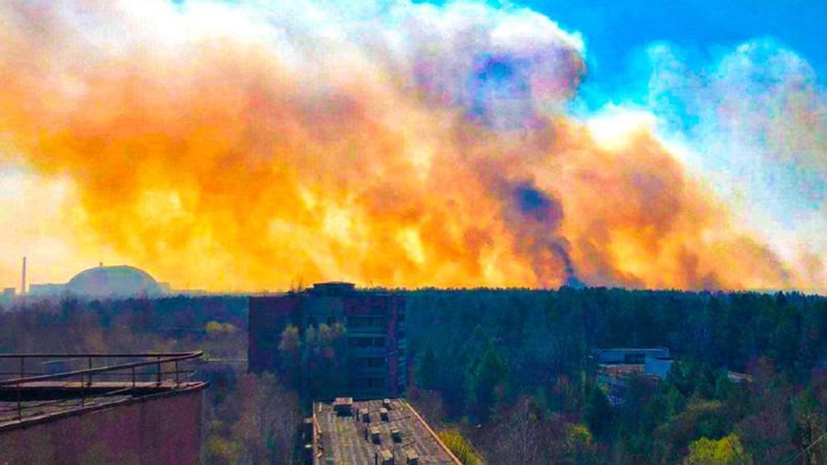 Incendiu major de vegetație în apropierea centralei nucleare Cernobîl