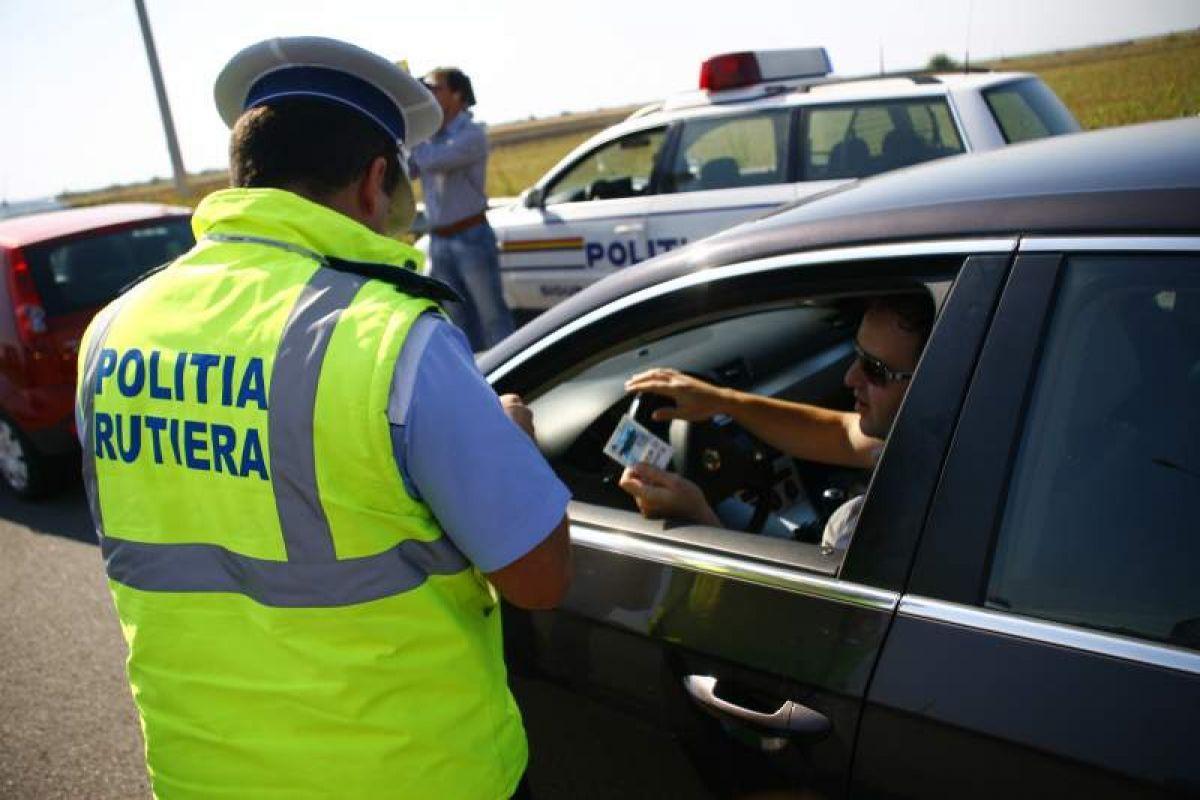 Replica polițistului care a amendat un bărbat la spălătoria auto