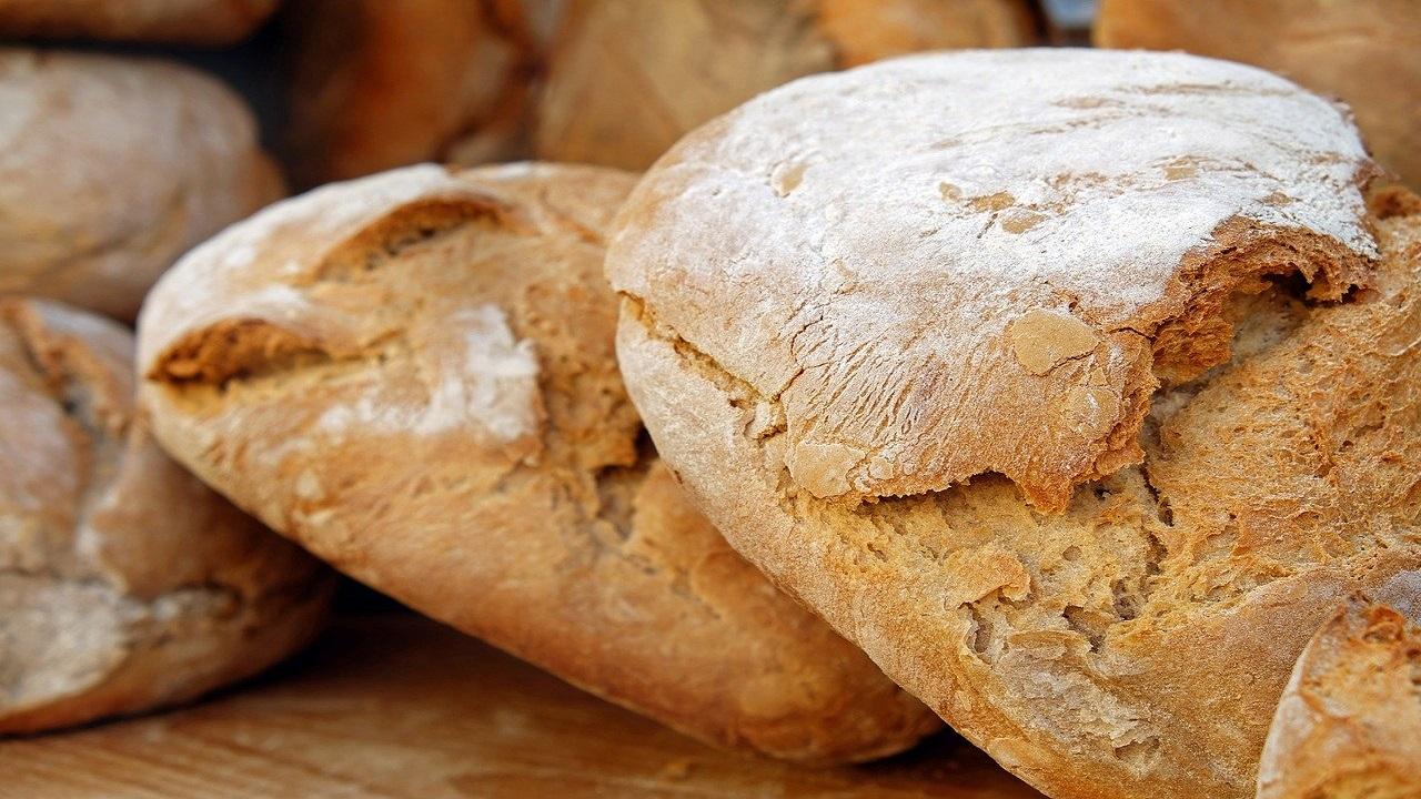 Crește prețul pâinii? Precizările ministrului Agriculturii