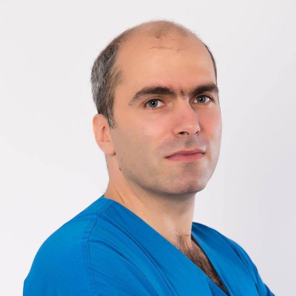 """Bogdan Tănase: """"Mă întreb și eu, ca medic care tratează pacienți oncologici, decidenții înțeleg oare că trebuie găsită o soluție pentru acești bolnavi?"""""""