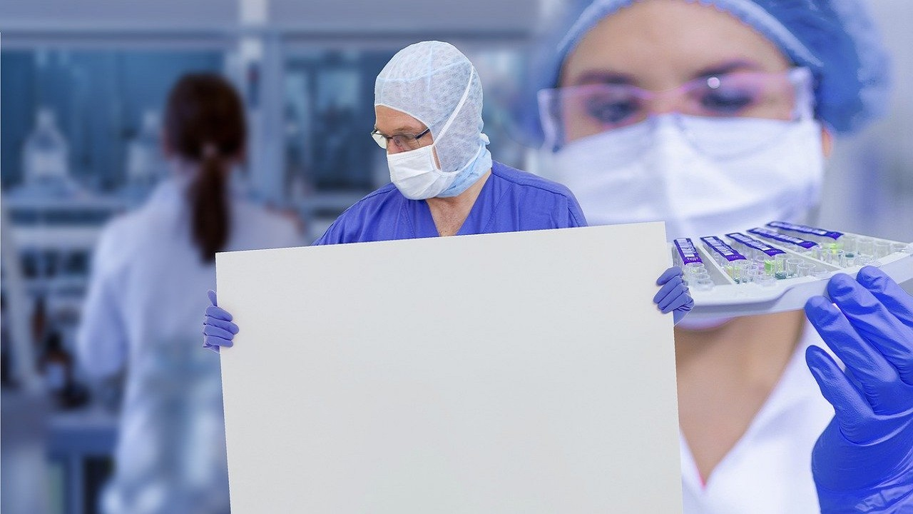 Încep testele pe oameni, cine are vaccinurile
