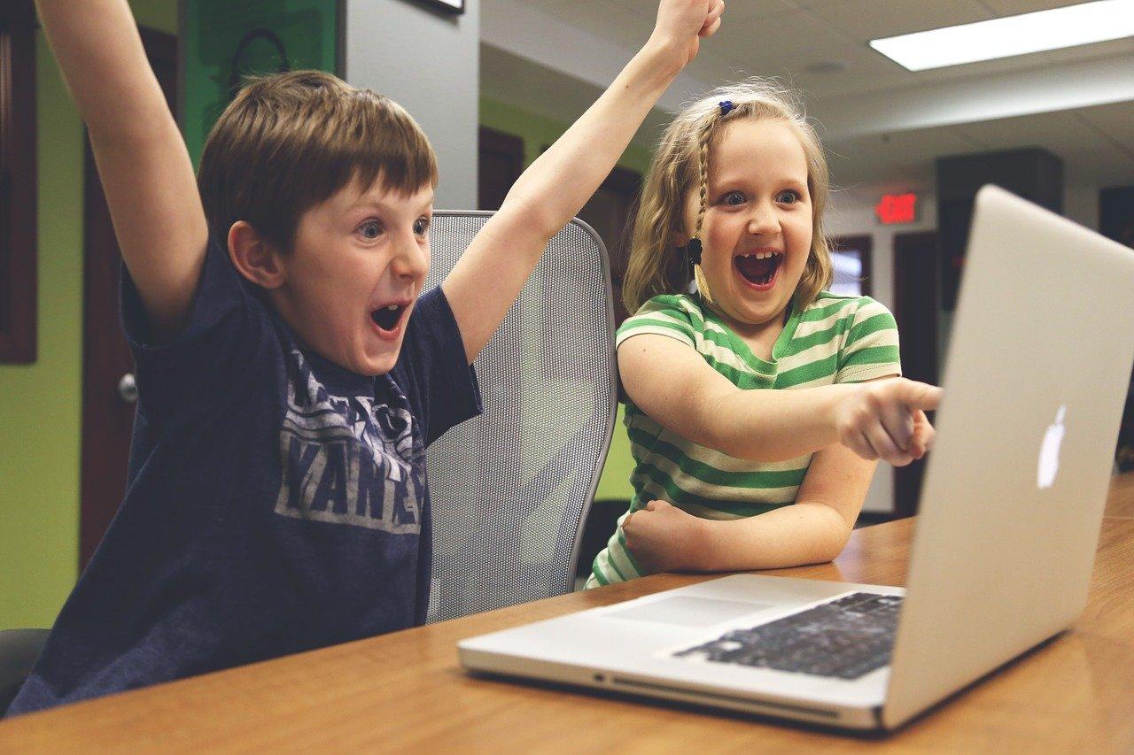 Copiii primesc vești bune: Ludovic Orban vorbește despre alocațiile copiilor