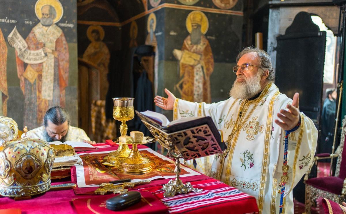 """Bisericile rămân închise. Anunțul ingenios al unui preot, pe Facebook: """"Inaugurăm muzeul!"""""""