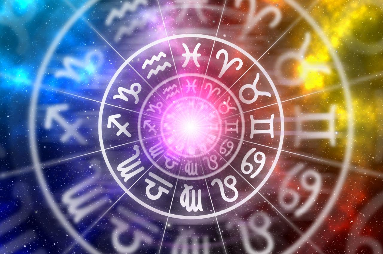 Horoscop vineri 15 mai 2020. Unele zodii se bazează astăzi pe intuiție
