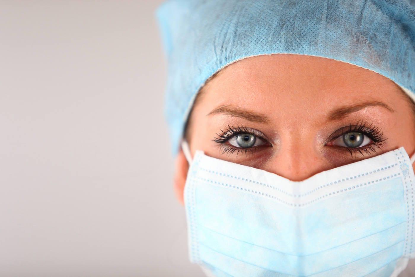 Masca de protecție- cum se folosește corect și câte ore poate fi purtată?