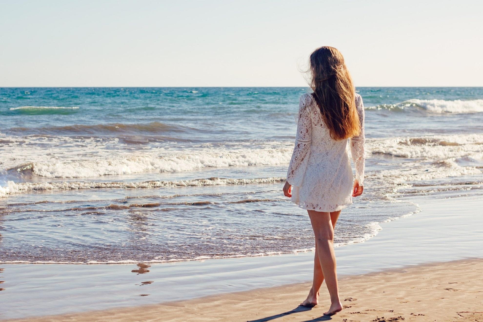 De pe 1 iunie turiștii vor merge la plajă cu rezervare: pe plajele aglomerate accesul este interzis, care sunt condițiile pentru salvamari
