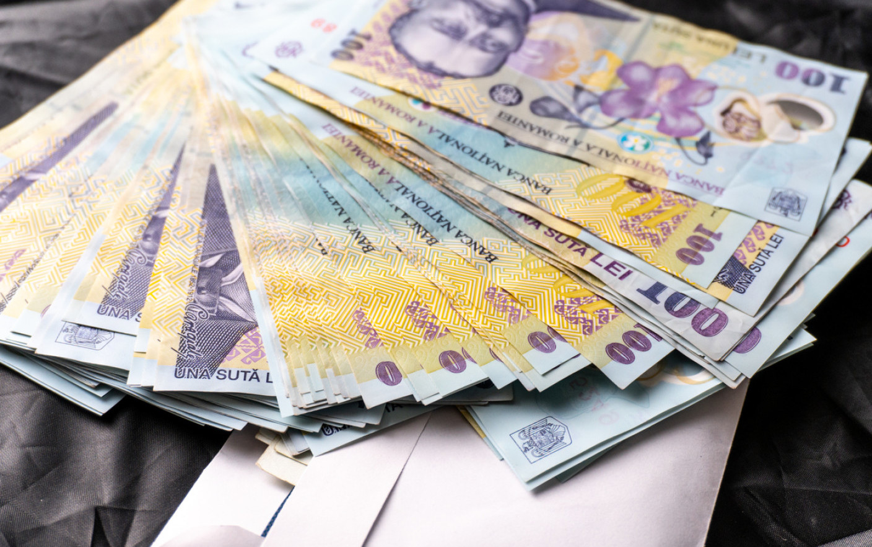 A fost prelungit termenul până la care românii pot cere amânarea ratelor