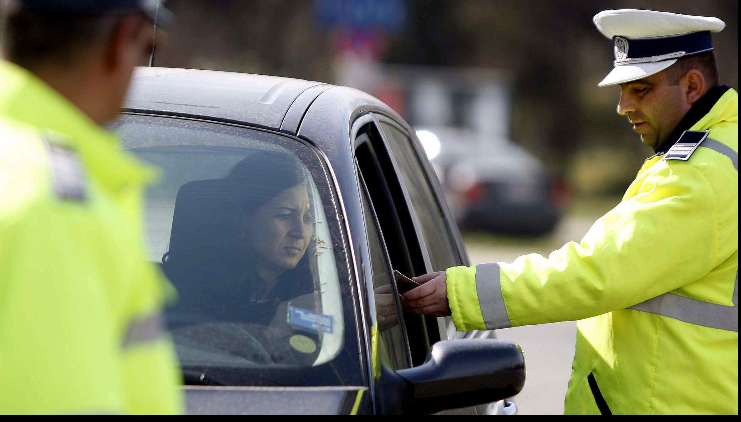 Șoferii din Capitală, verificați în trafic. Amenzi de aproape 100.000 lei într-o singură noapte