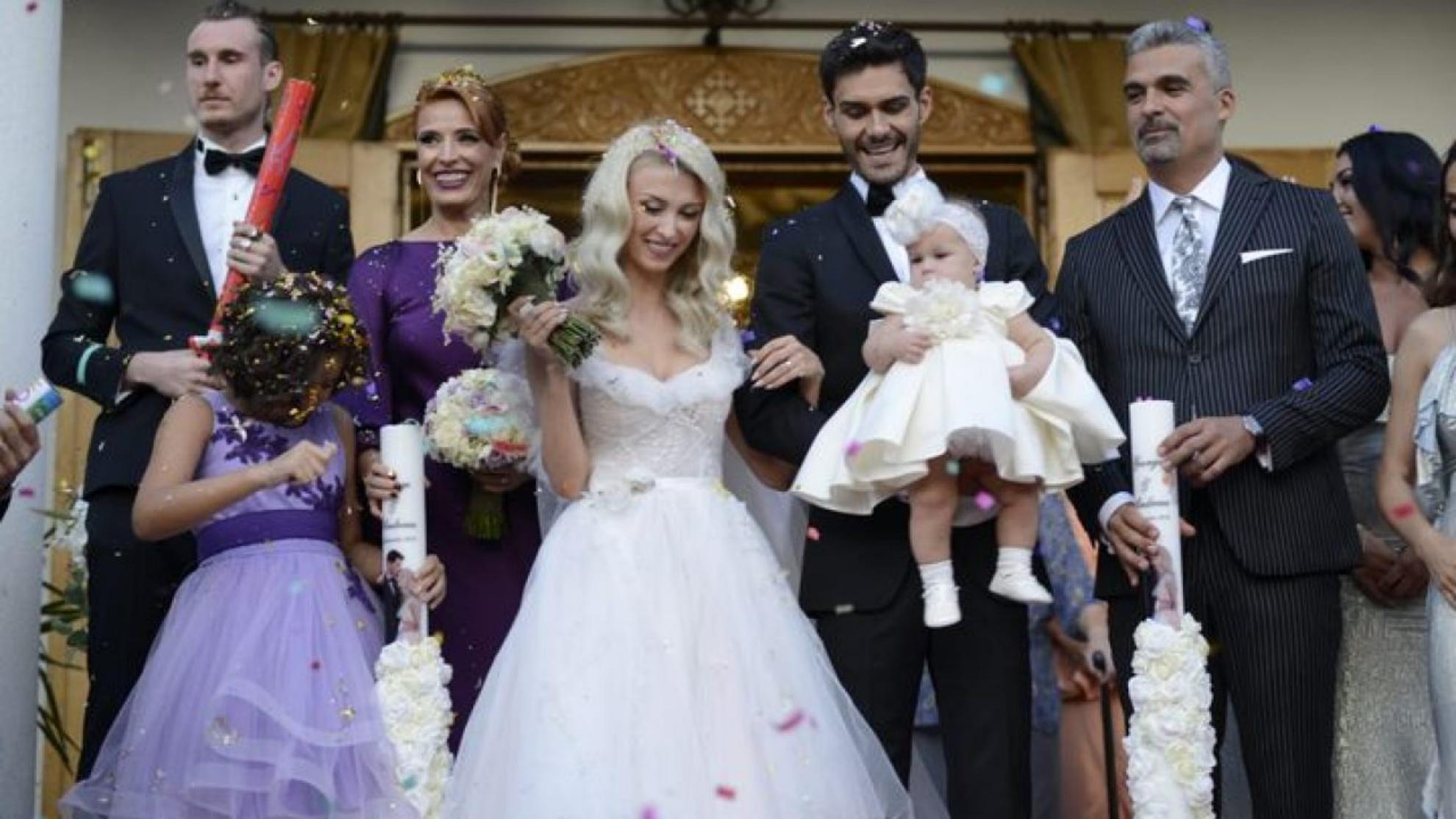 De ce Andreea Bălan a purtat rochia de la nuntă în ultimul ei videoclip