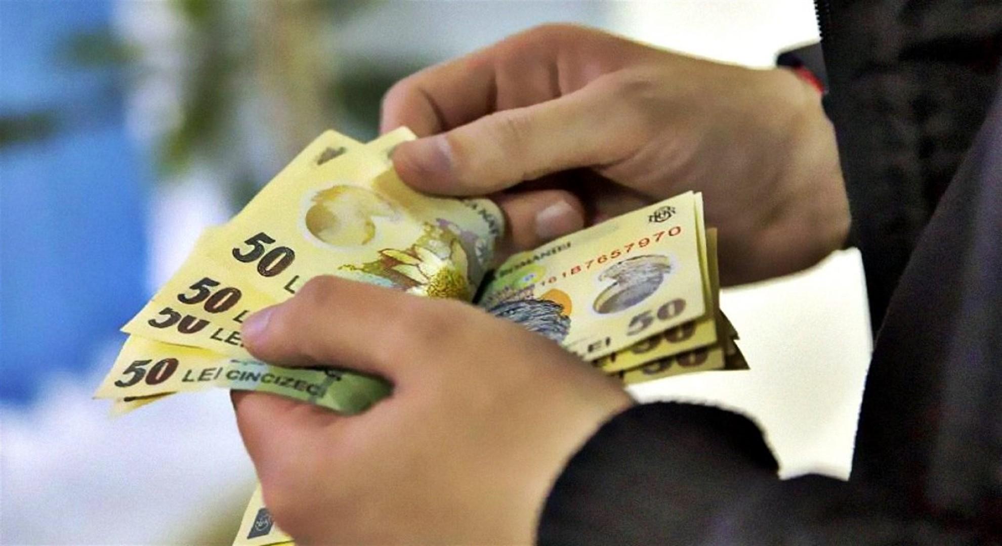 Statul dă bani românilor începând din iunie. Cum poți beneficia de acest ajutor