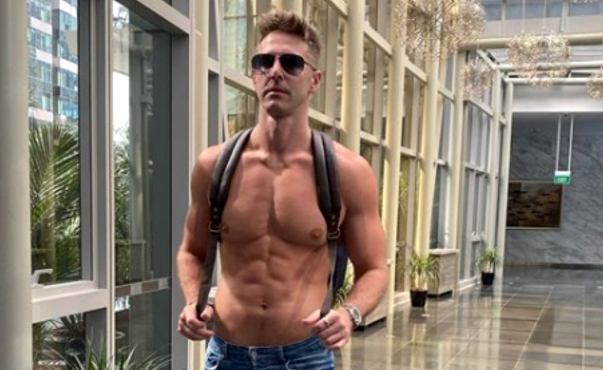 A recunoscut că este gay! Celebrul bărbat a făcut anunțul oficial: 'Mi-a fost greu să...