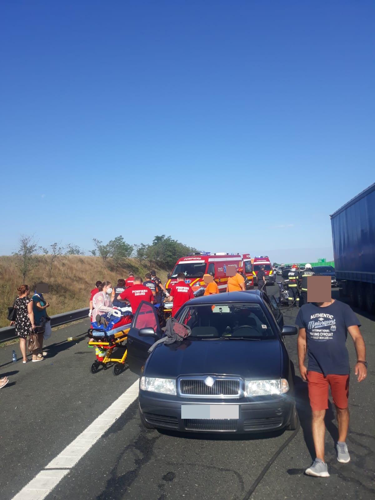 Accident rutier cu nouă victime pe Autostrada Soarelui