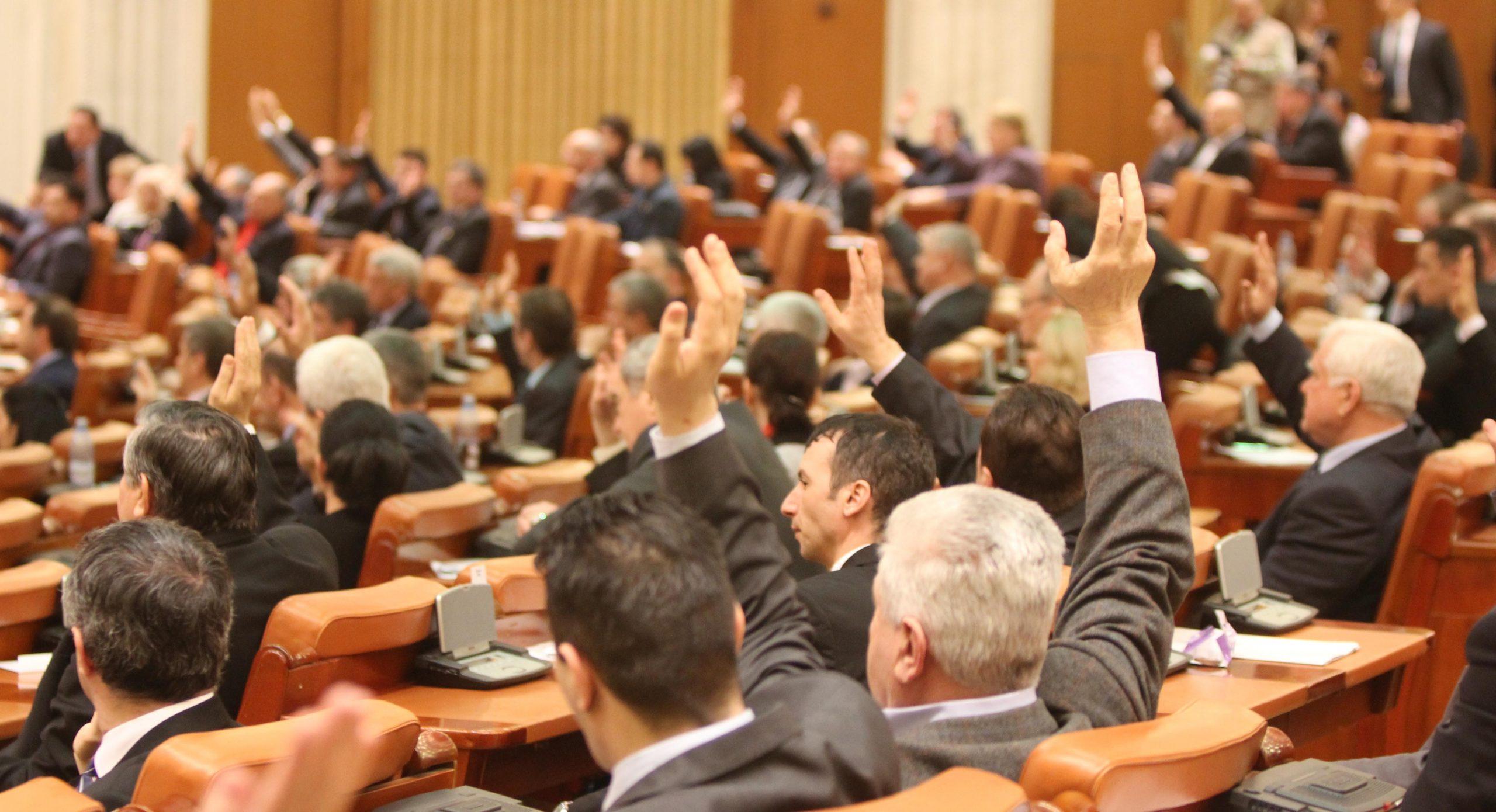 Legea privind carantina, adoptată în Camera Deputaților. În ce condiții vor fi internați pacienții și când se impune izolarea