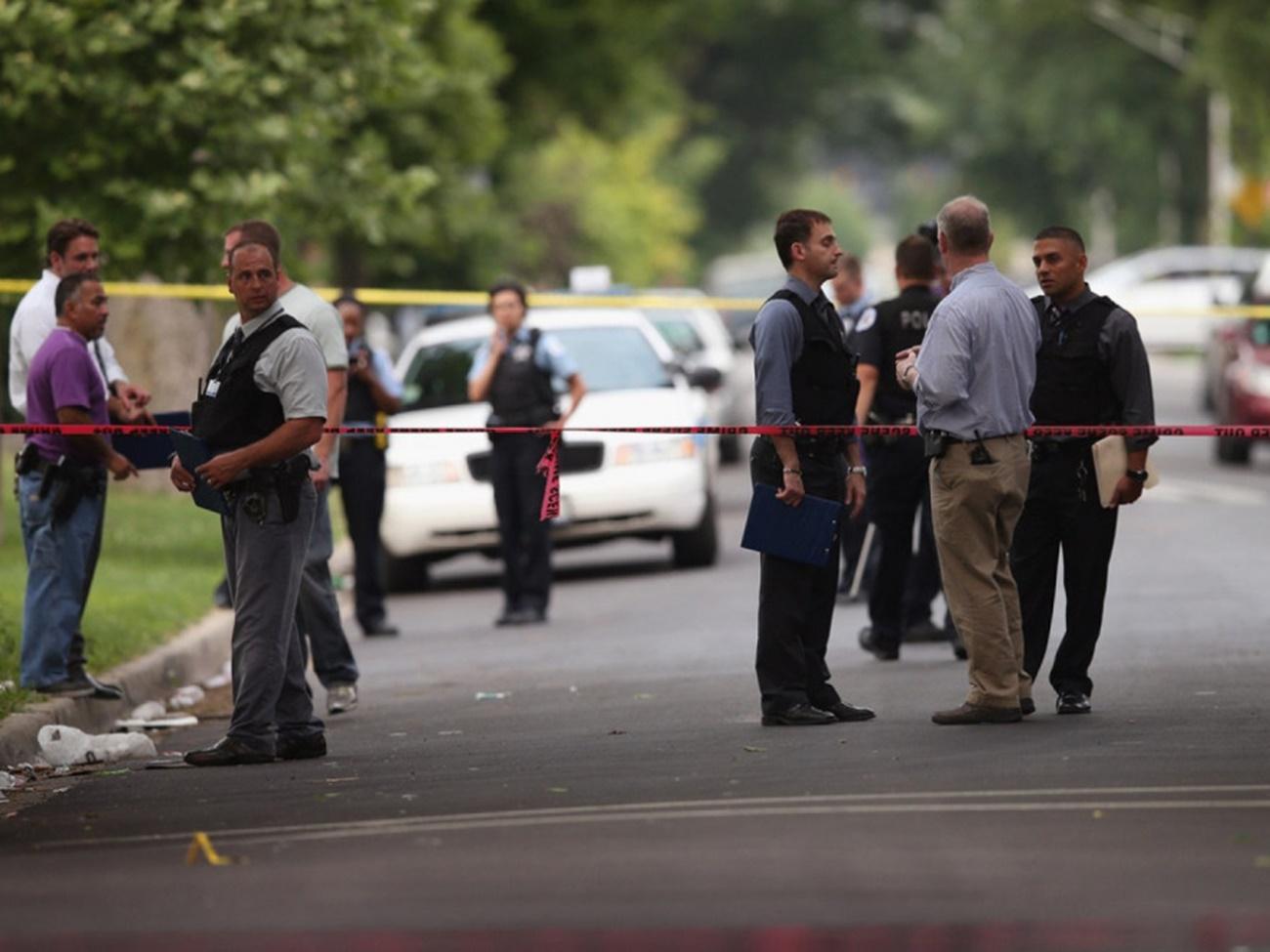 Violențe extreme la Chicago. Peste 50 de oameni împușcați