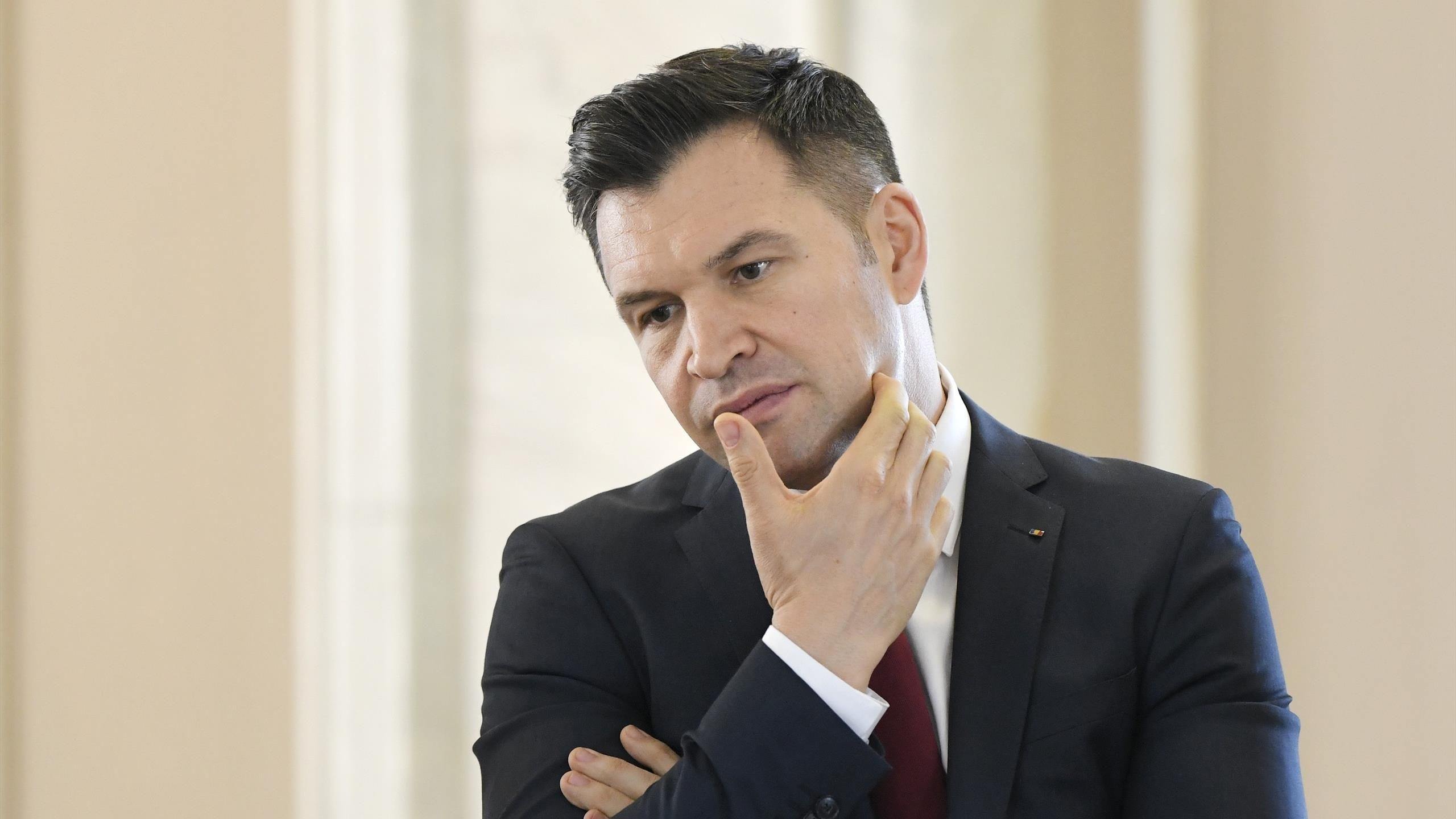 """Ministrul Ionuț Stroe: """"Este posibil să oprim din nou competițiile."""""""