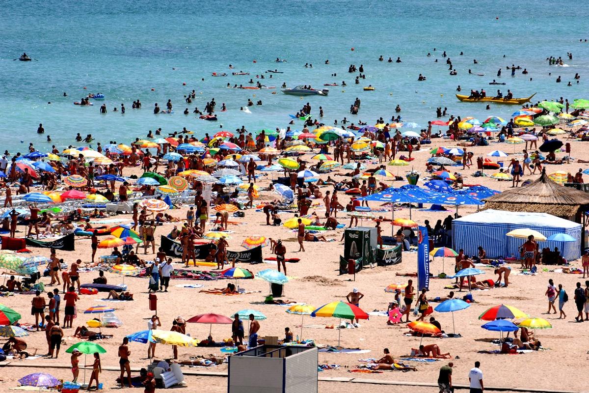 Reguli stricte pentru turiștii de pe litoral
