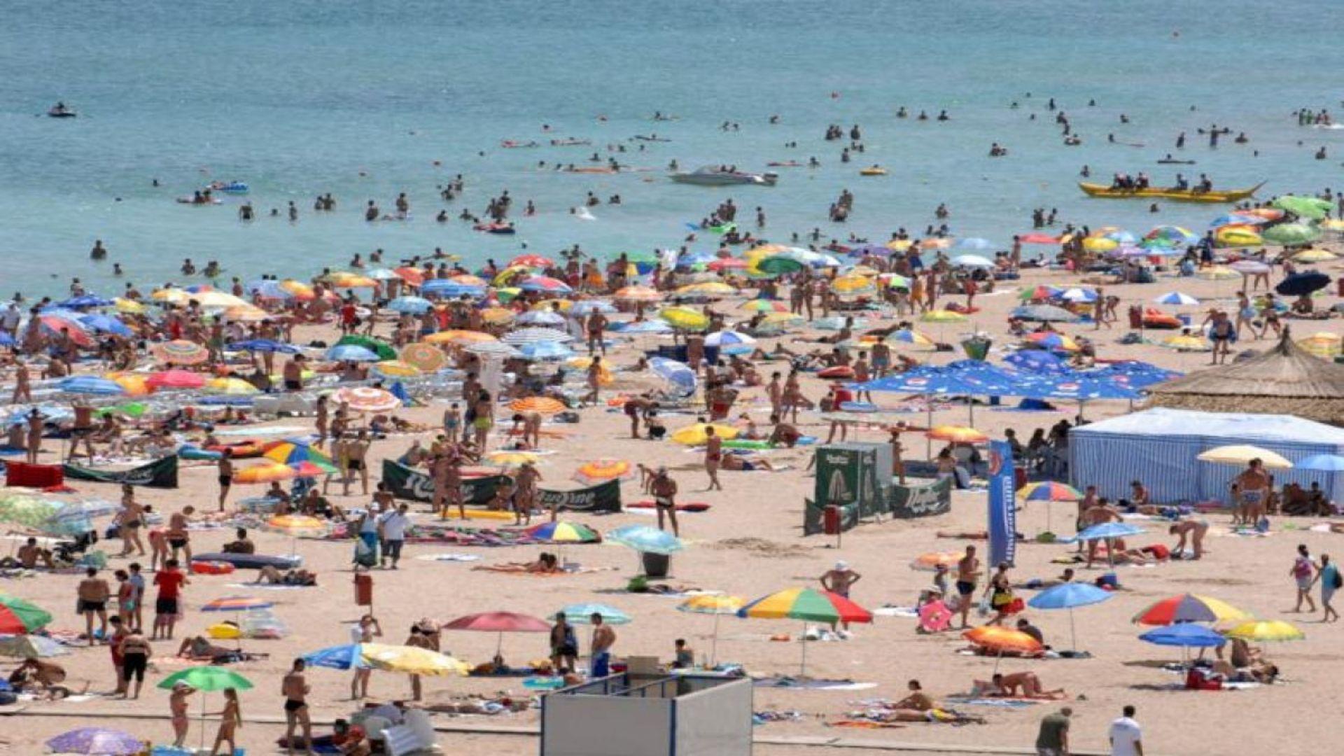 Plajele s-ar putea închide din cauza aglomerației. Sunt anunțate controale drastice