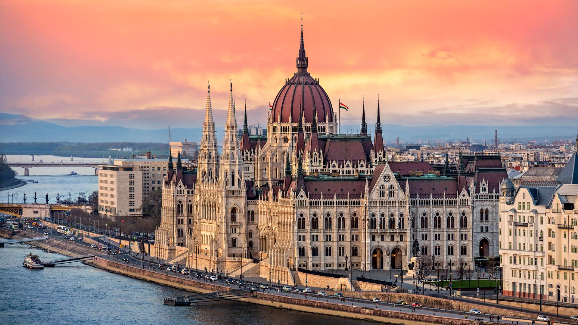 O țară vecină României schimbă regulile de călătorie