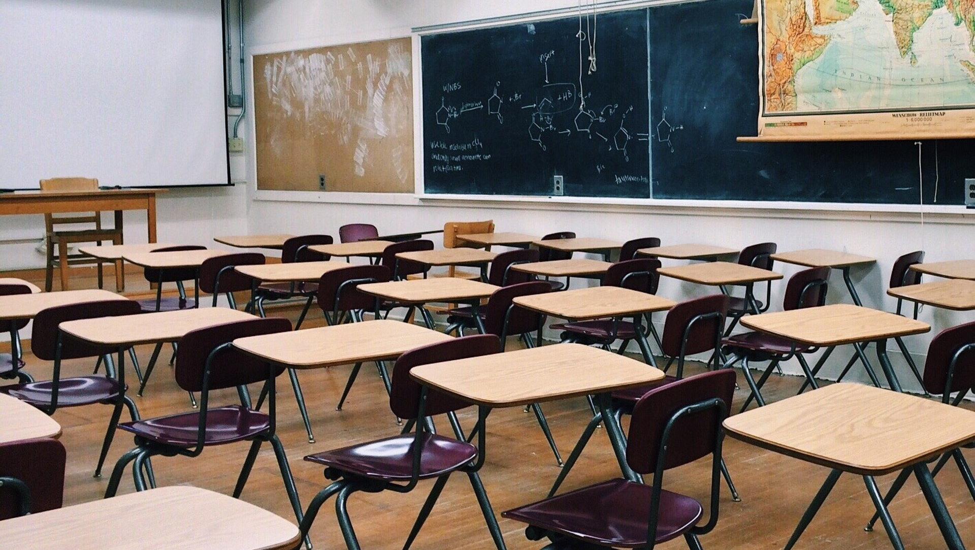 Noi măsuri în ceea ce privește deschiderea școlilor. Ore mai puține pentru unii elevi