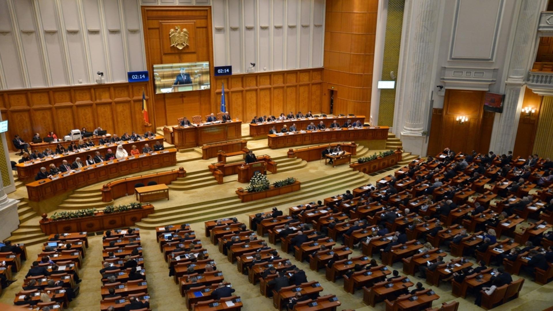 OUG pentru creșterea alocațiilor pentru copii ar intra marți în plenul Senatului. Când va avea loc prima majorare