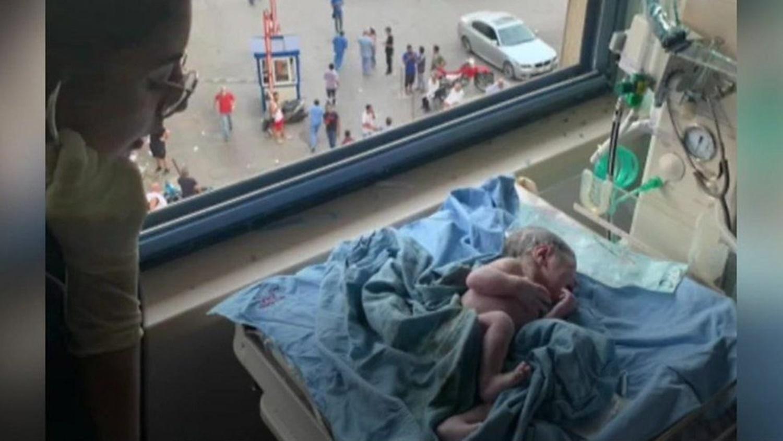 O femeie a născut în timpul exploziei din Beirut. Căzuse tavanul peste ea