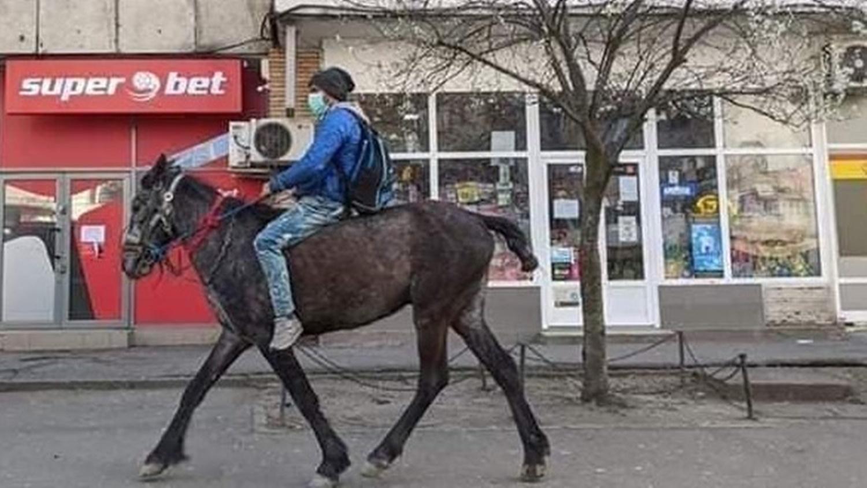 Călărețul din Iași care a impresionat toată țara, are probleme cu legea
