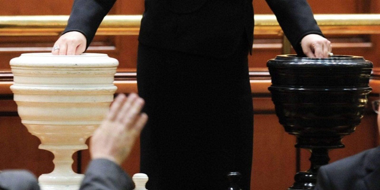 Zi importantă în Parlament! 31 august - se votează moțiunea de cenzură