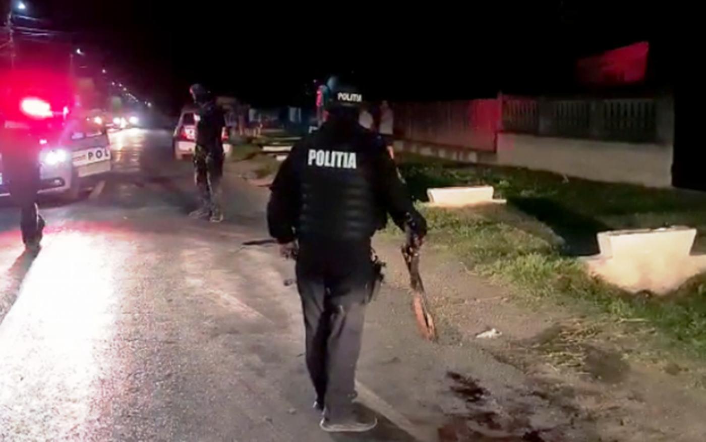 Scandal monstruos în Dâmbovița! Un polițist s-a ales cu degetele tăiate