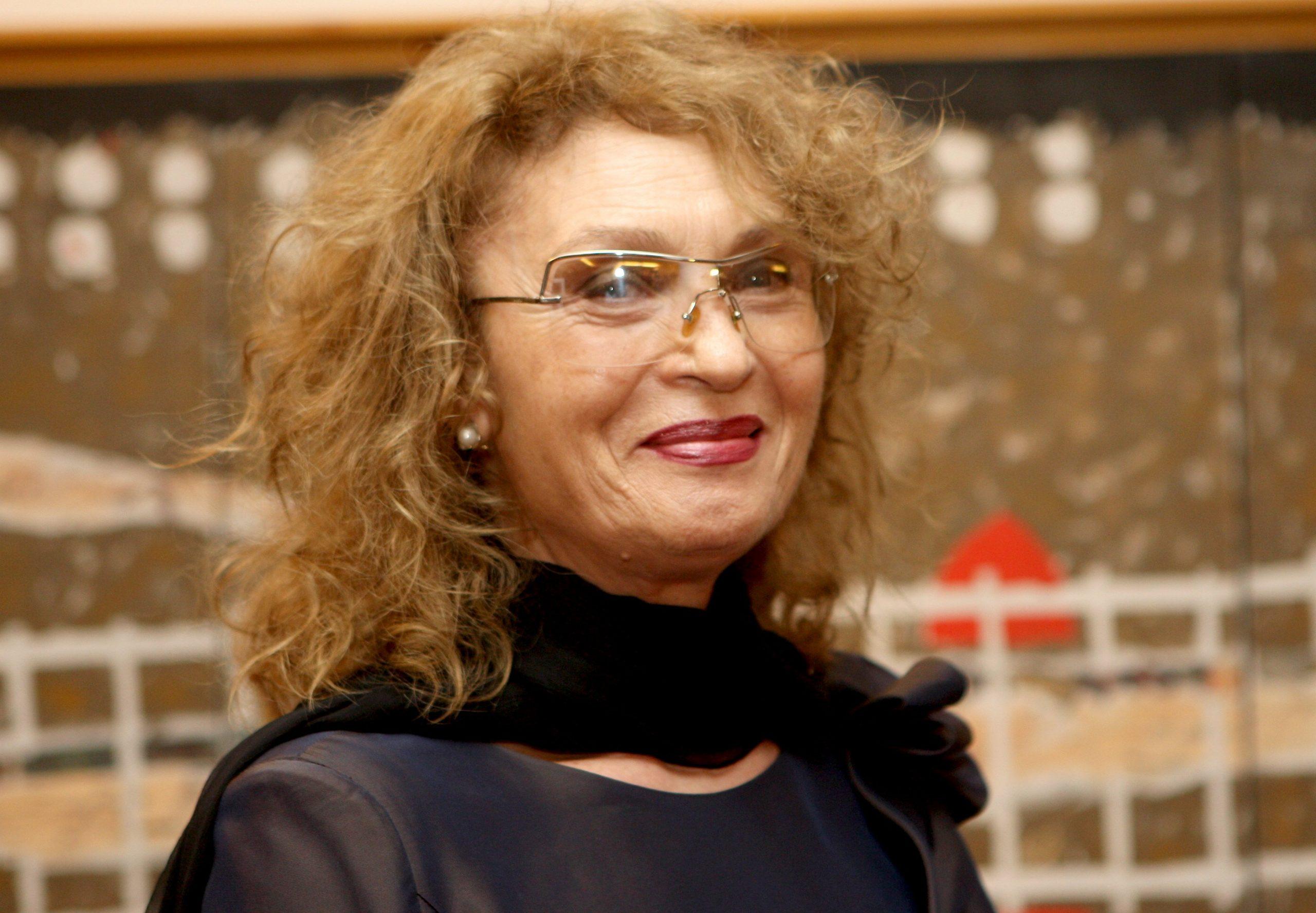 Angela Similea are un nou fan page! Silviu, un mare admirator al artisei a venit cu o idee unică pentru Regina Muzicii Ușoare