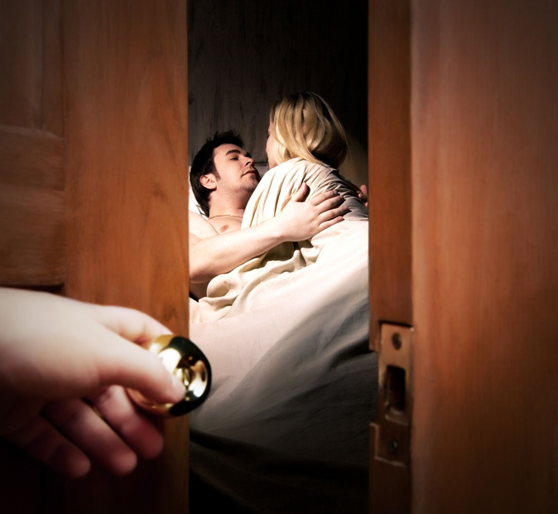 Cum s-a gândit un bărbat să-și recucerească soția înșelată! Un tatuaj inedit pentru iertare