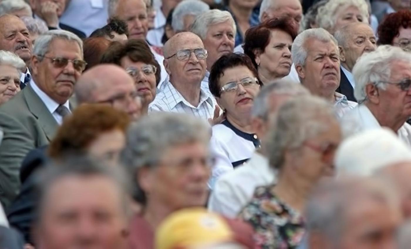 Ei sunt românii care vor ieși mai devreme cu doi ani la pensie!