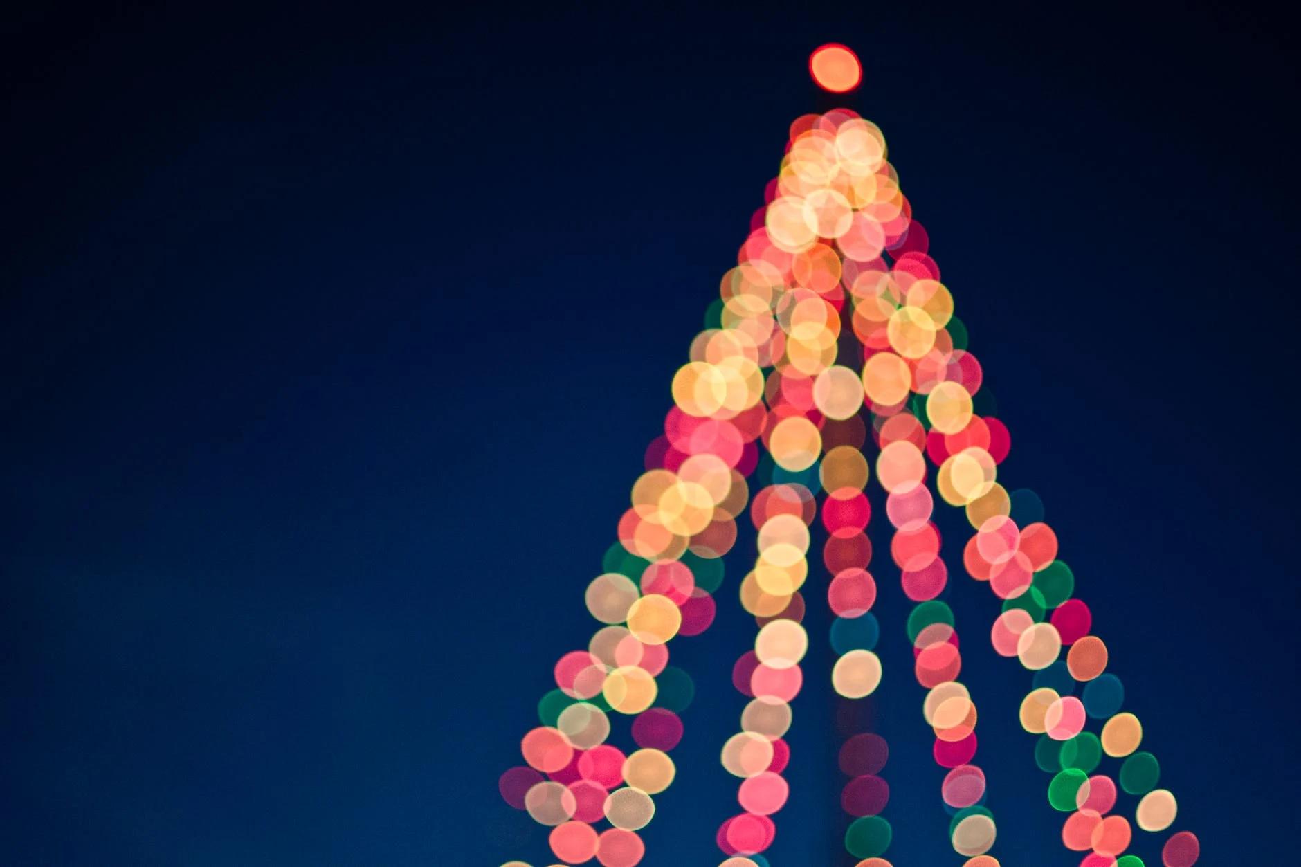 Crăciunul îmbrăcat în istorie, filme și presupuneri
