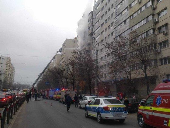 Incendiu în București. Pompierii intervin chiar acum