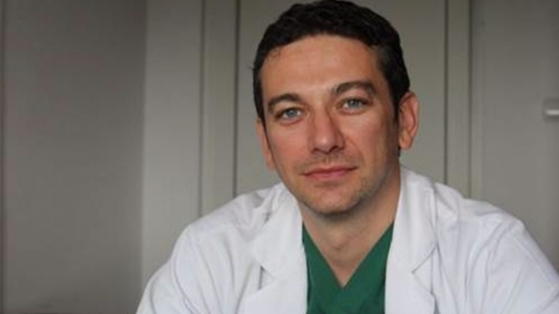 Tatăl medicului Radu Zamfir, în stare gravă la ATI. A fost operat chiar de fiul lui