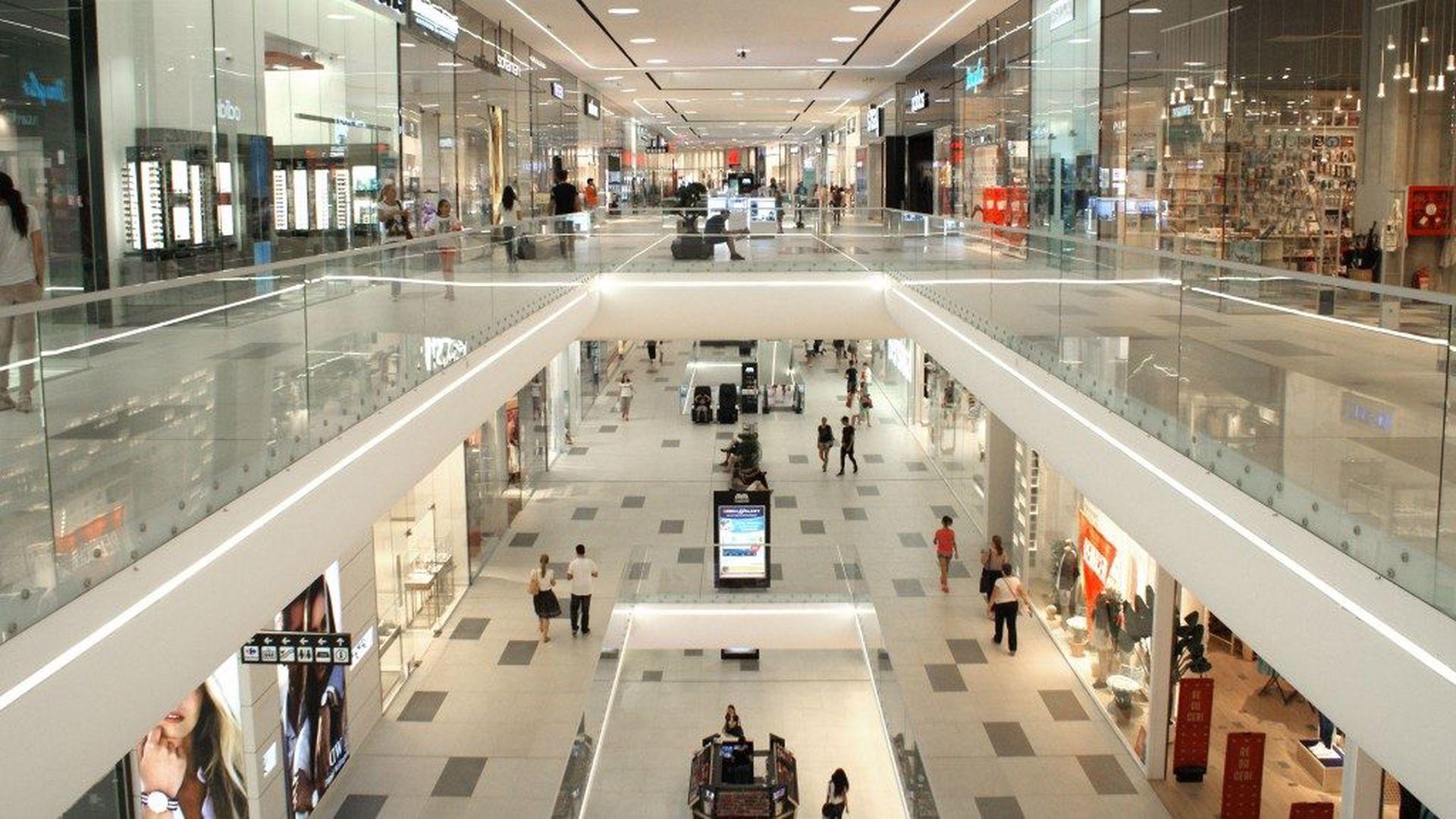 Programul mall-urilor din București de Crăciun. La ce oră se închid pe 24, 25 și 26 decembrie