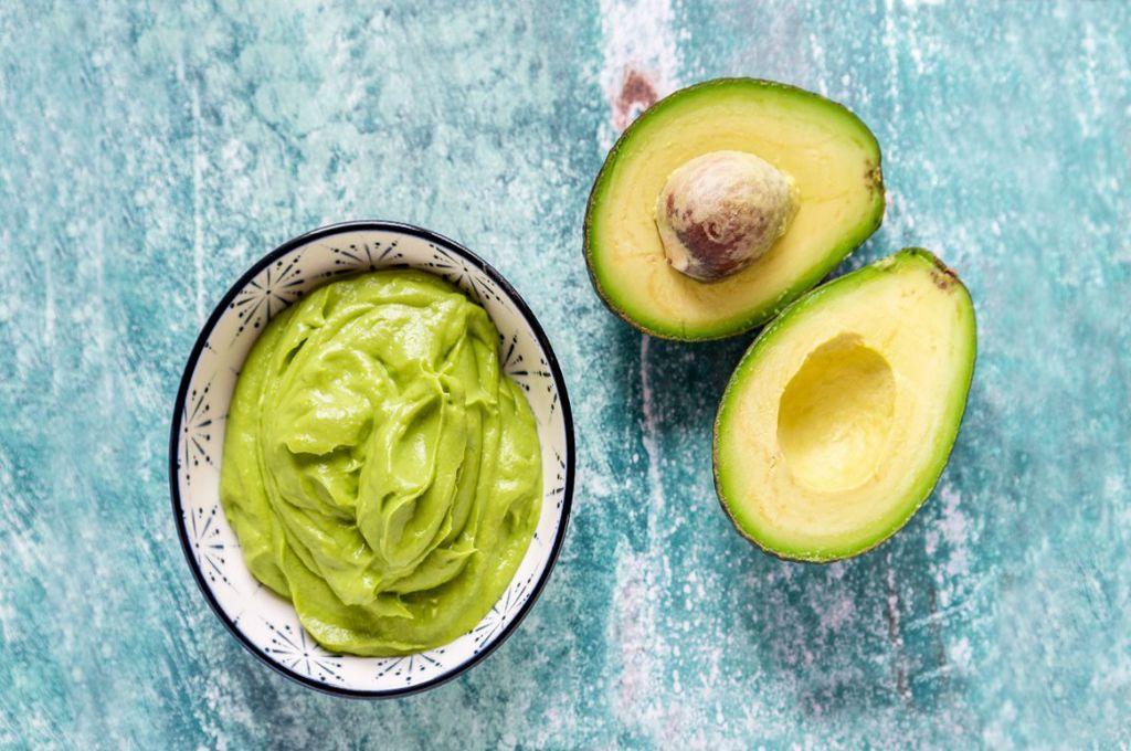 Avocado. Ce beneficii are acest fruct și de ce toți ar trebui să-l consumăm