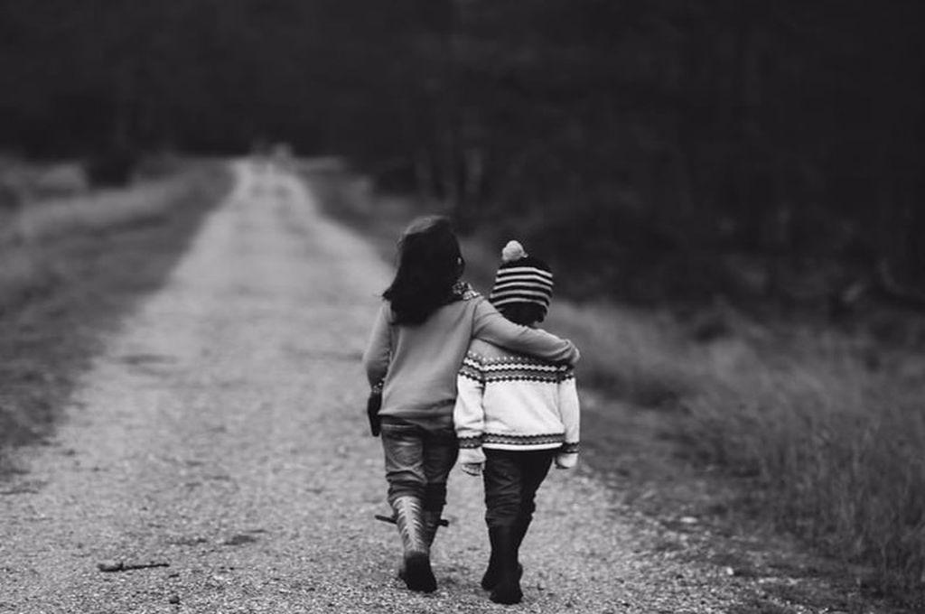 Cele mai frumoase urări pentru frați și gânduri bune. Mesaje și urări de La Mulți Ani