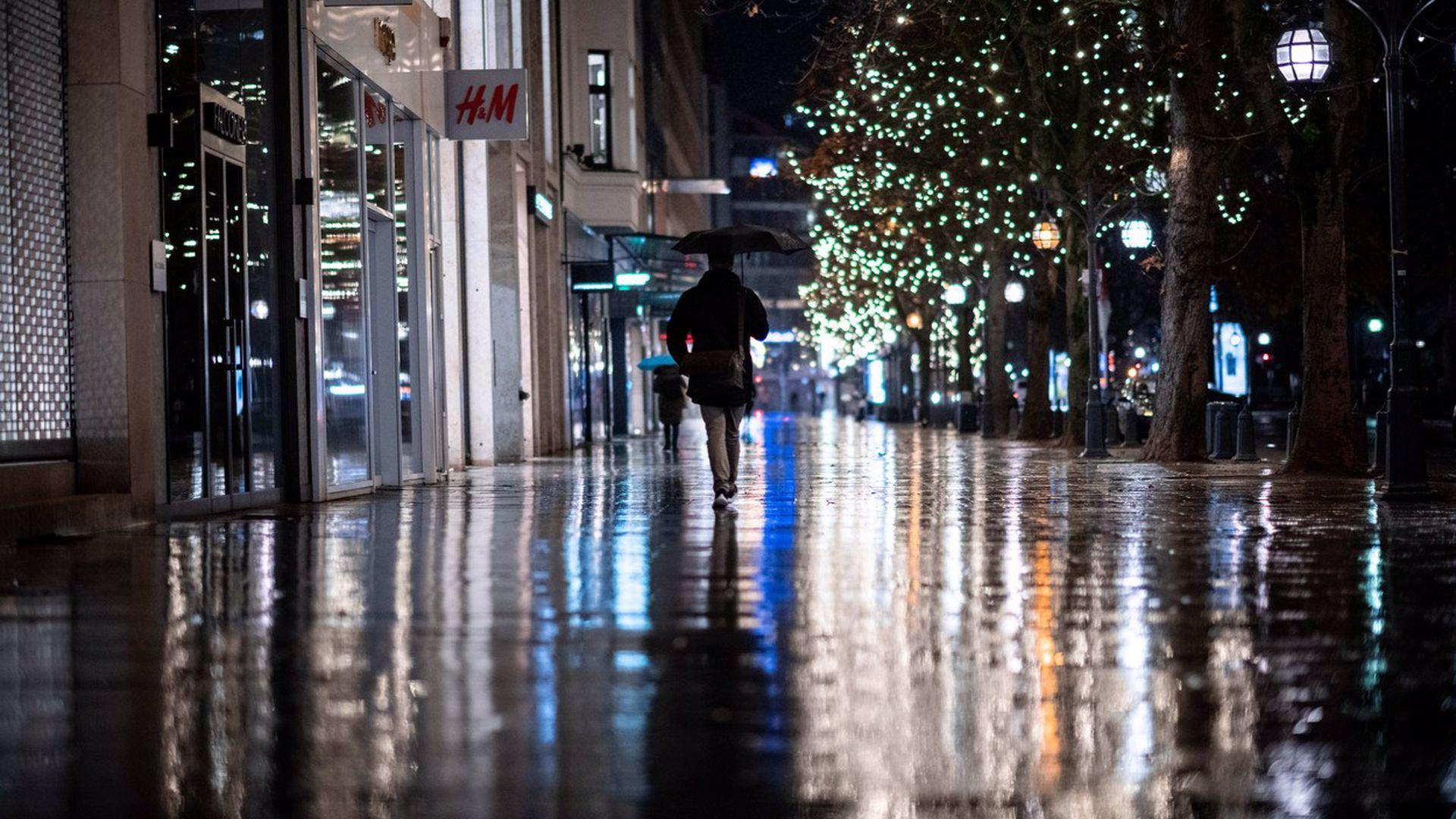Noi restricții în Grecia și Franța. Carantină după sărbătorile de iarnă
