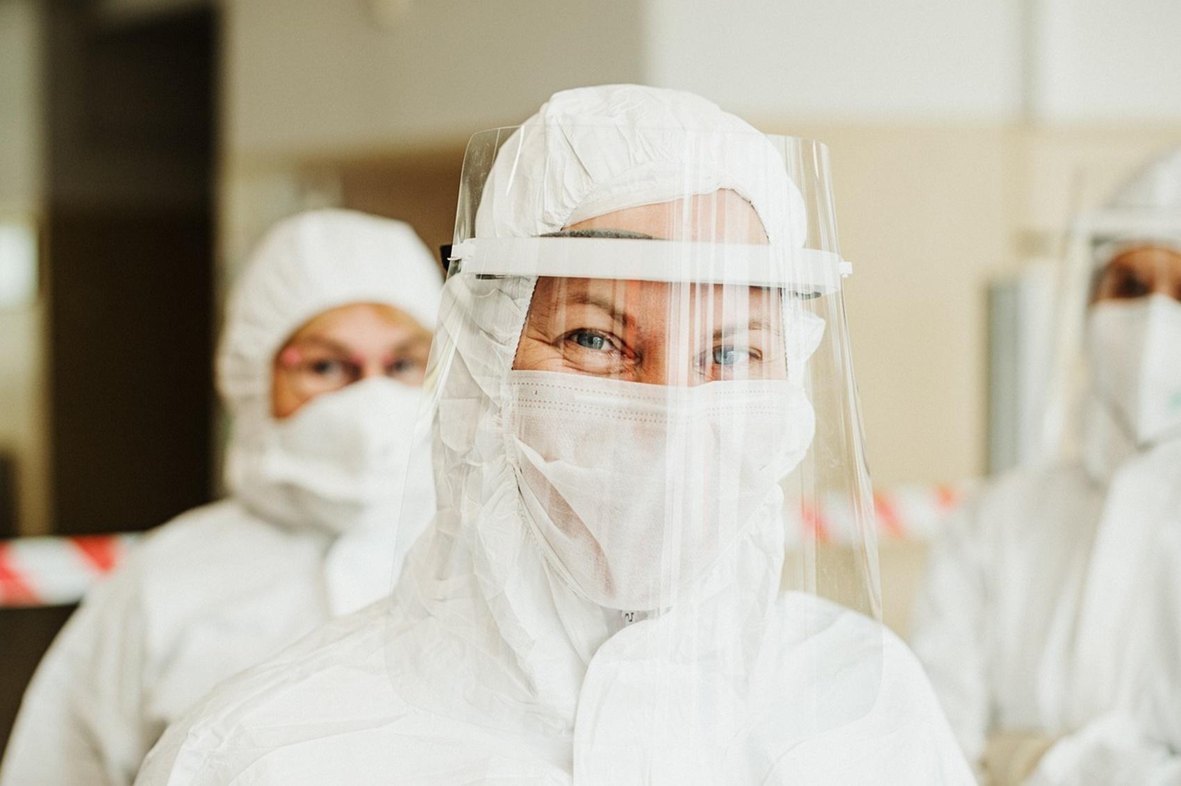 Vești bune pentru români. Ce se întâmplă cu evoluția pandemiei de coronavirus