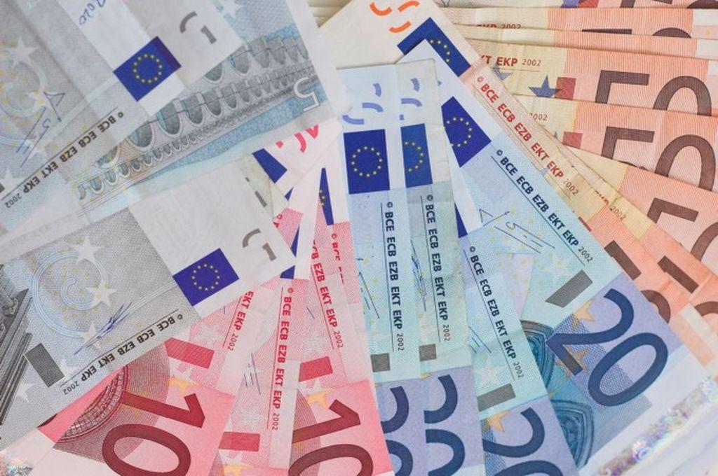 Curs valutar 25 ianuarie 2021. La ce valoare ajunge euro în prima zi a săptămânii