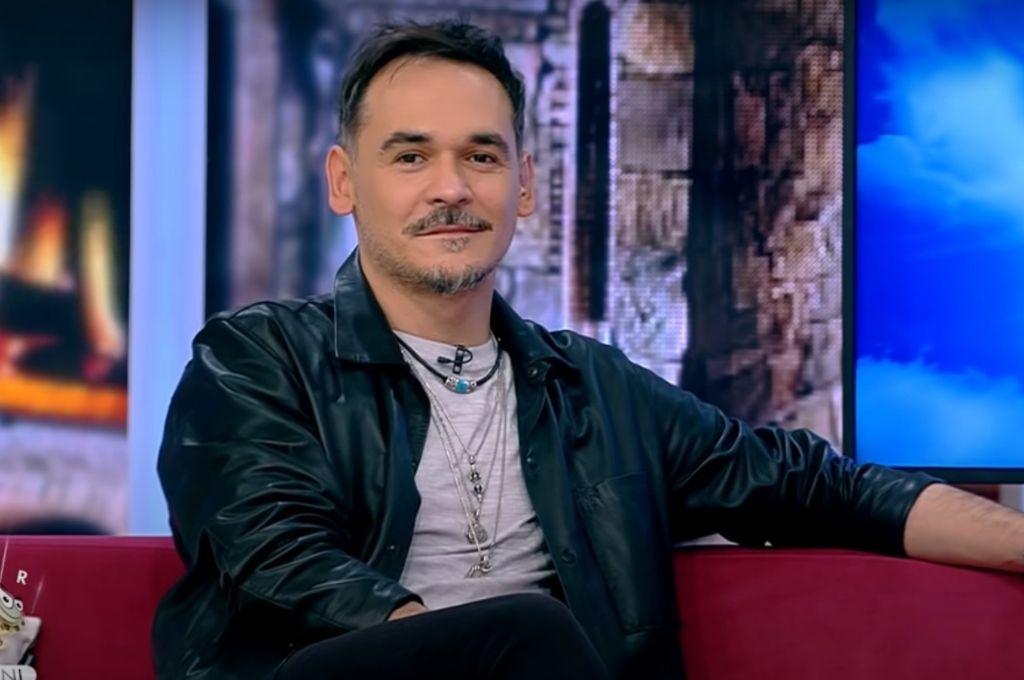 Răzvan Simion, luat în râs de colegii de la Neața. Cum a venit îmbrăcat la emisiune