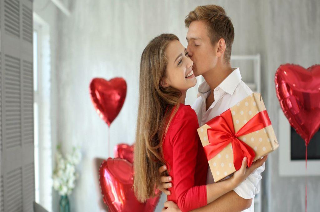 Cum să alegi cadoul perfect de Valentine's day. Trucuri pentru a surprinde pe 14 februarie