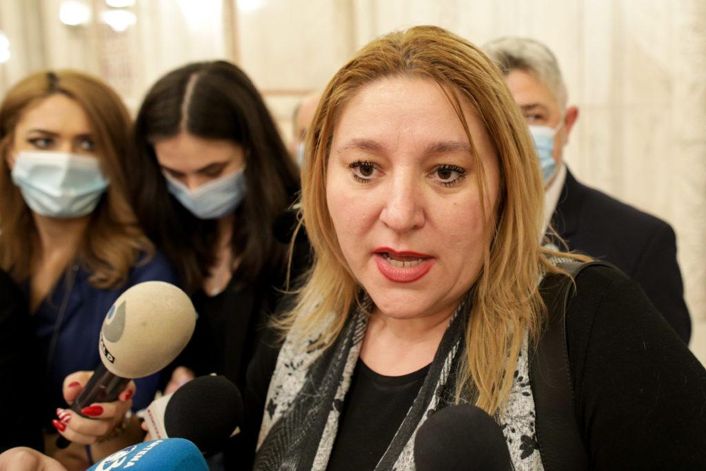 """Diana Șoșoacă a jignit crunt o femeie care i-a comentat pe Facebook: """"O ilustră necunoscută care..."""""""