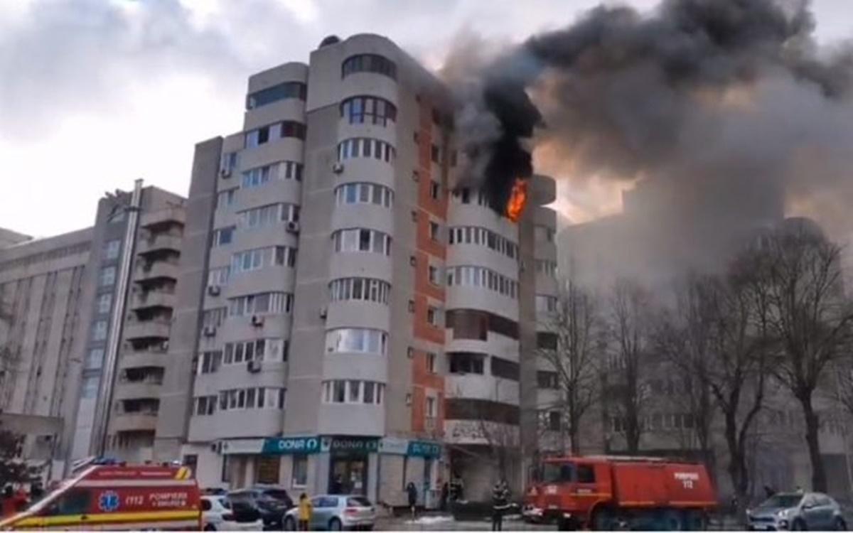 Incendiu într-un apartament din Constanța. Proprietara a sărit în gol de la etajul 6