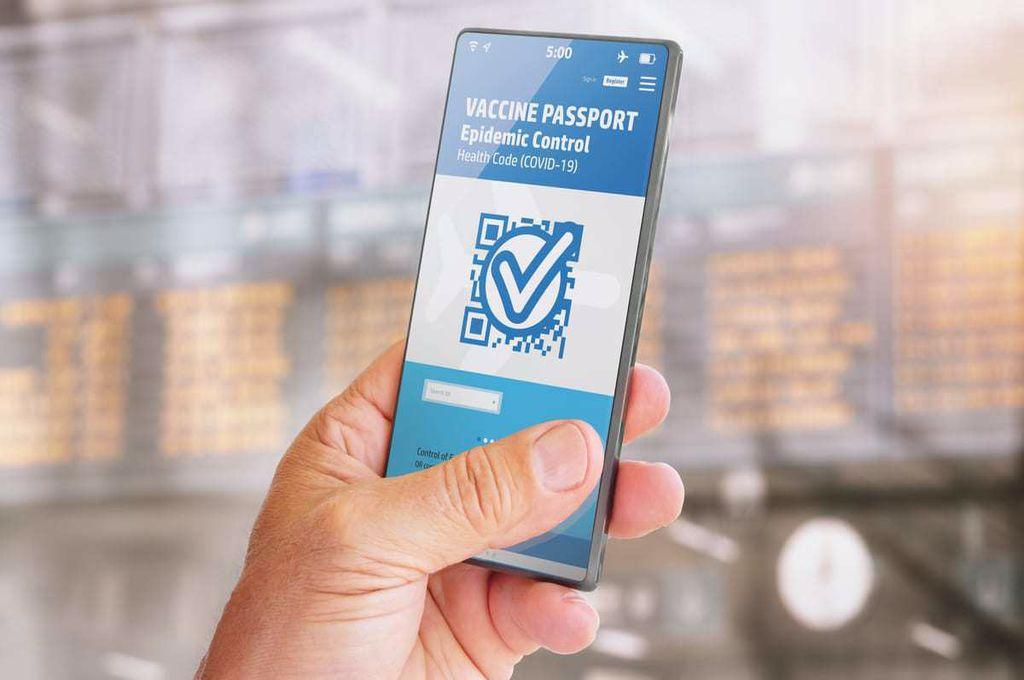 Prima țară care lansează pașaportul de vaccinare. Când ar putea ajunge și în România