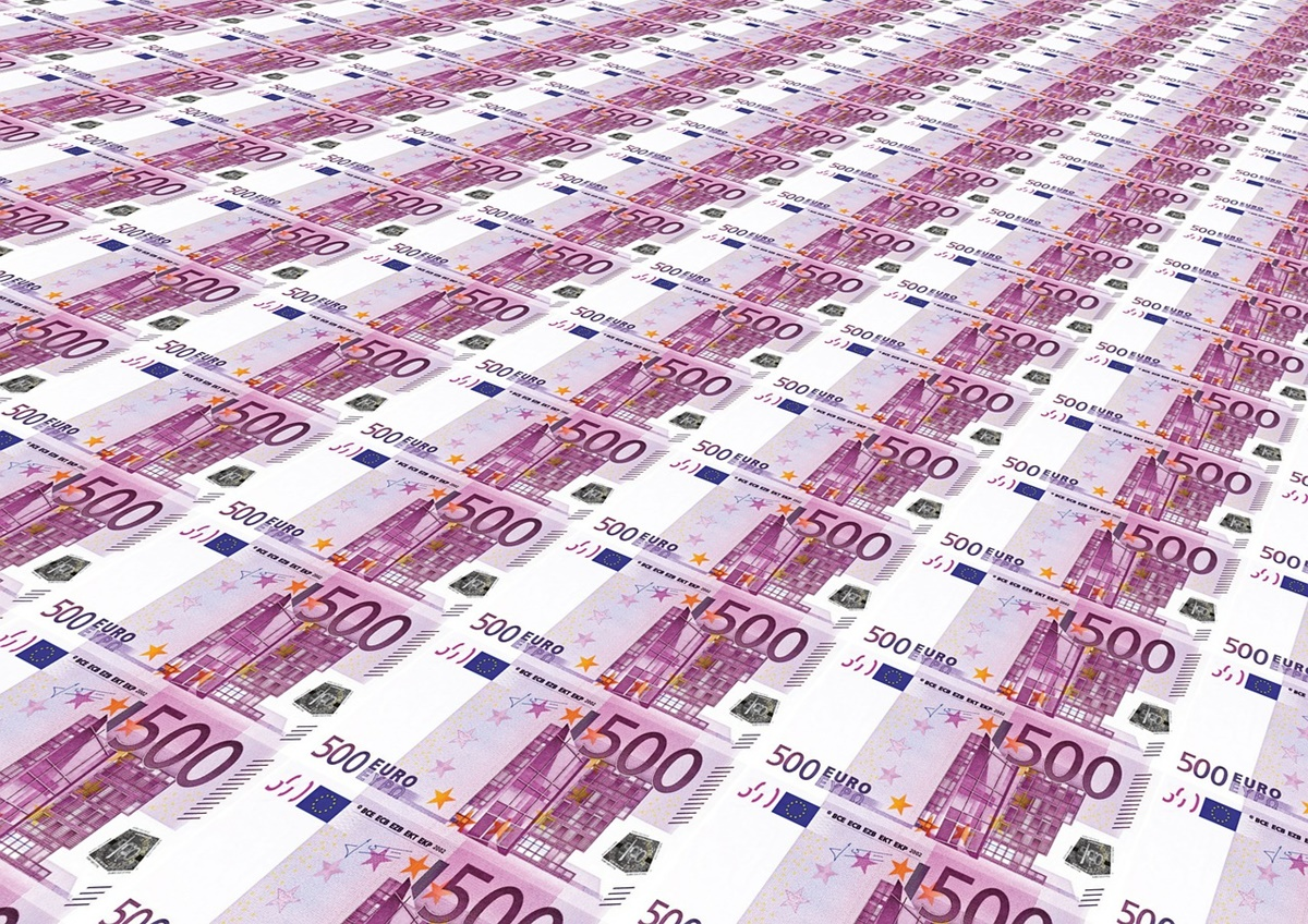 Curs valutar BNR 31 martie 2021. Euro a depășit pragul psihologic de 4,90 lei