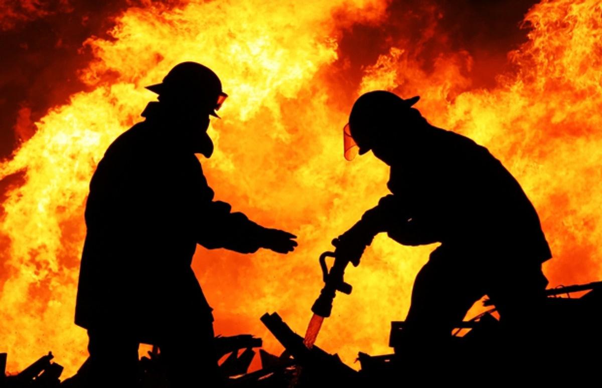 Incendiu în incinta bazei sportive FCSB. O persoană a murit carbonizată
